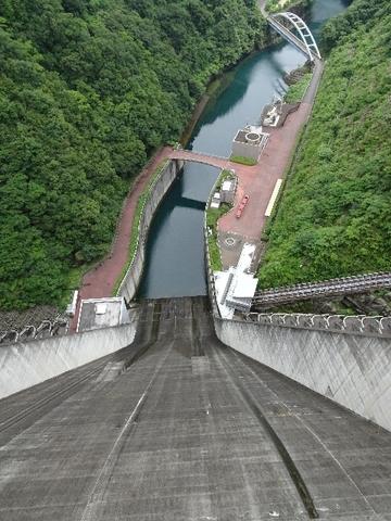 上からダムを.jpg